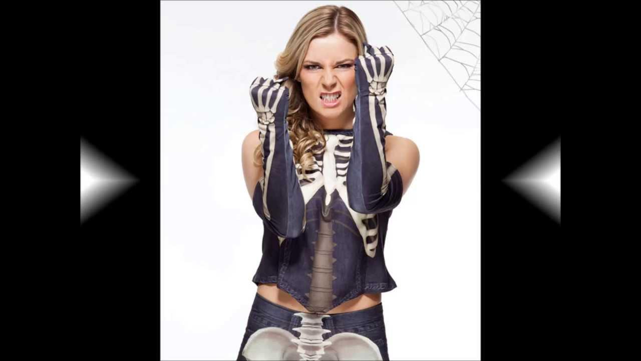 wwe halloween costumes divas 2013 youtube - Wwe Halloween Divas