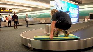 Video SURFING a PUBLIC AIRPORT BAGGAGE CLAIM download MP3, 3GP, MP4, WEBM, AVI, FLV Juni 2018