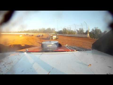 R3W 105 SPEEDWAY MODIFIED HEAT RACE 5-27-2012