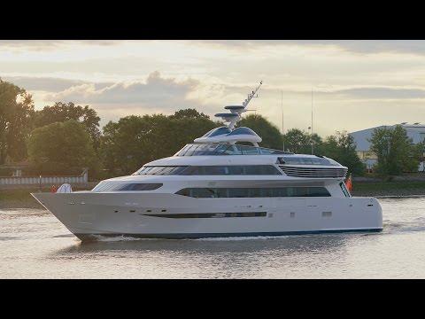 4K | Highspeed Yacht ALAMSHAR at Lurssen shipyard - Aga Khan