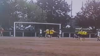 Вымпел забивает гол в ворота хорватов на турнире во Франции 2003г