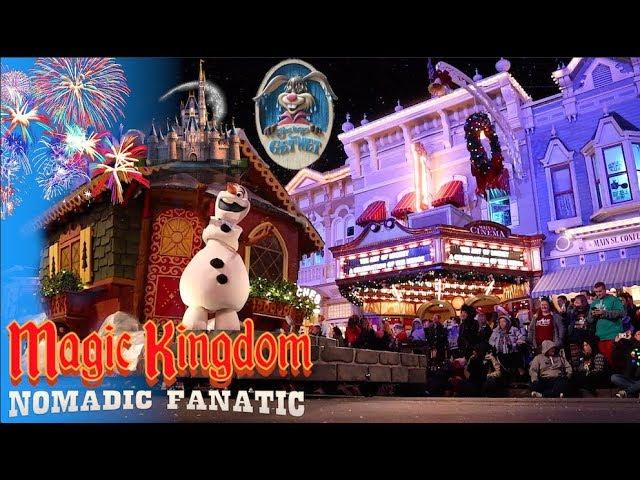 fireworks-snow-mickeys-very-merry-christmas-in-disney-world