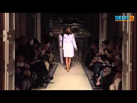 Yves Saint Laurent fashion house new in 2011 Spring collection remains true to his idiom