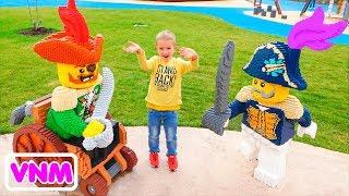 Sân chơi ngoài trời cho trẻ em Vlad và Nikita Giả vờ Chơi trên Tàu cướp biển