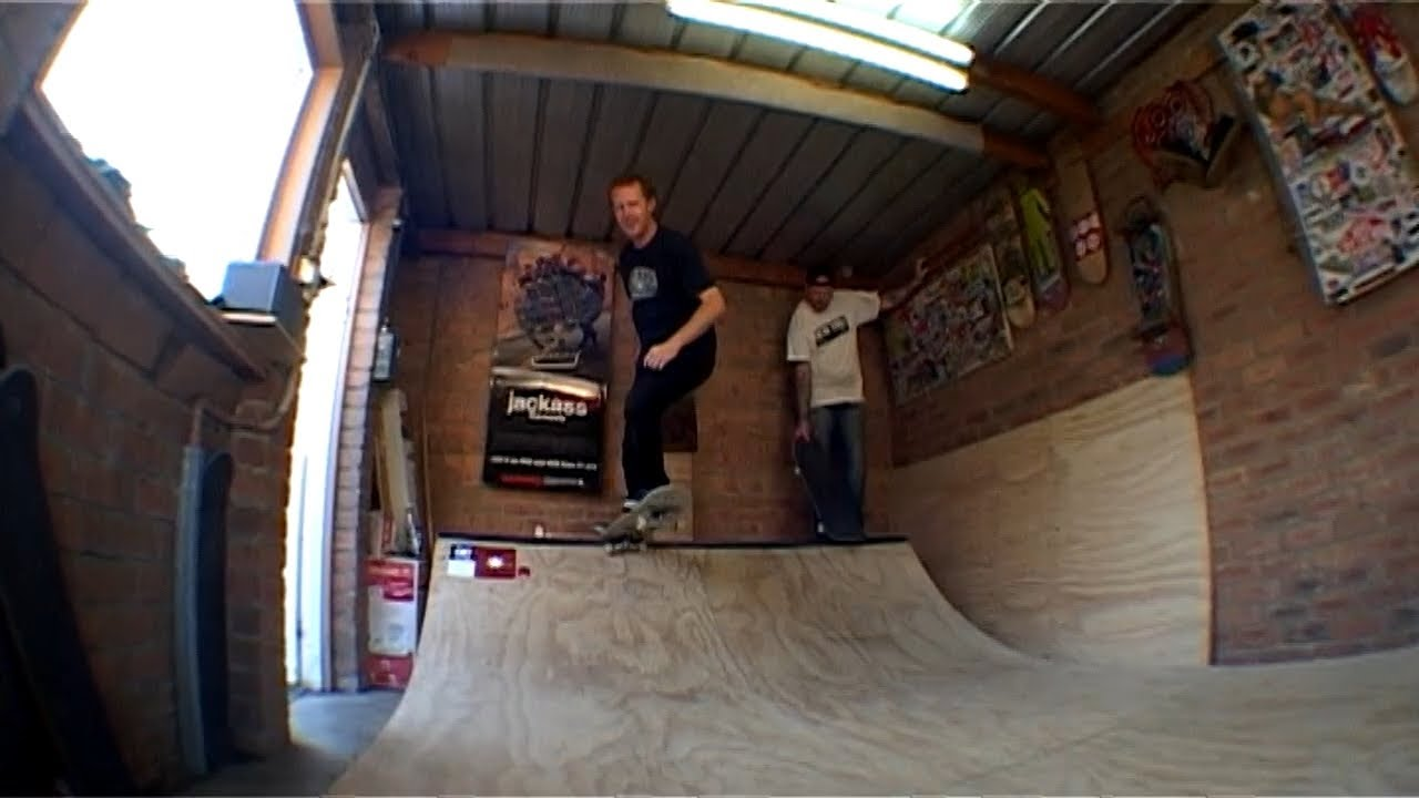The flared out garage mini ramp session youtube for Garage mini beauvais