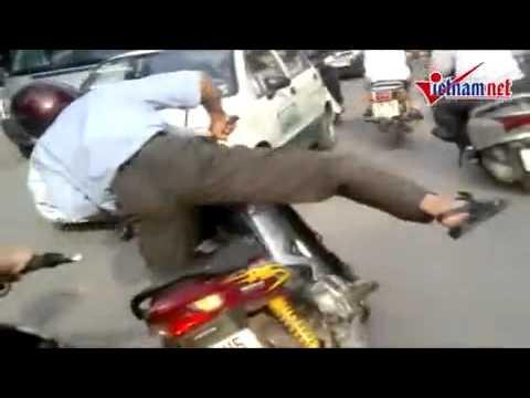 Video Clip  Vua đường phố ở việt nam mình   Video clip hài   Vui nhộn   Hóm hỉnh   Cười vui   Đặc sắc