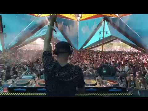 IM LOSING IT - FISHER ( LIVE PLAYING @ coachella )
