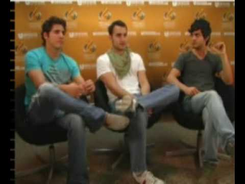 Reik Interview with Univision