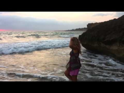 голая жена на пляже На пляже Порно фото