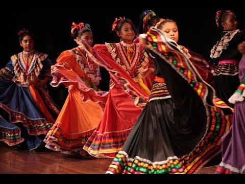 Willis Jepson Middle School Patio Concert | Ballet folklórico Dancers