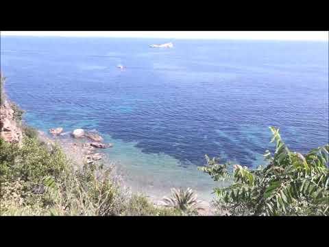 Spiaggia sotto  la fortezza Medicea a Portoferraio - Isola d'Elba
