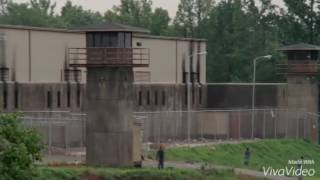 the group clear the prison scene hd twd s3e1