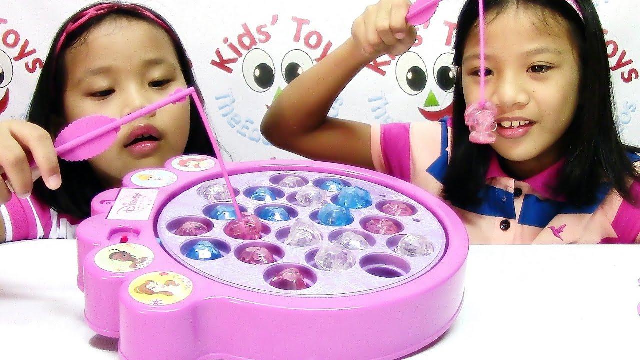disney princess magical gems fishing game disney toy playset youtube