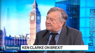 Clarke Says U.K. Government Hopelessly Divided on Brexit