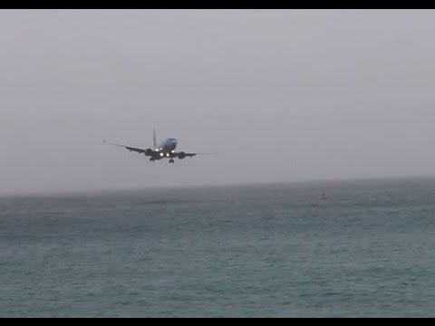 SCARY: Westjet Boeing 737 almost crashes into water @ St. Maarten