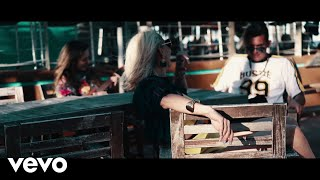 Смотреть клип Domino Saints - Incontrolable Ft. Mirella Cesa