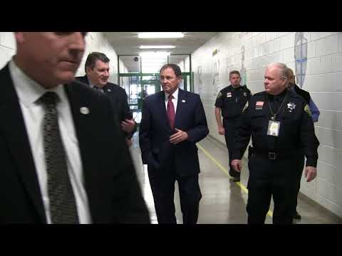 Governor Herbert Tours Offender Programs at Utah State Prison