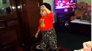 puku 3 years old baby dancing