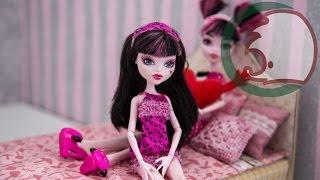 Как сделать кровать для куклы. How to make a bed for a doll. Cómo hacer una litera para muñecas.(Сделать кровать для куклы - очень легко. Представляем двухспальную кровать специально для кукол размера..., 2014-04-13T05:58:21.000Z)