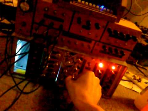 Harsh Noise / Power Electronics DIY Modular Synthesizers