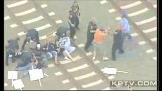 Police in Longview, Washington Thwart Attack by Union Thugs.wmv