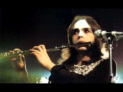 Genesis Carpet Crawlers Live 1974 Youtube