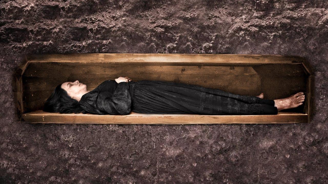 هذه الفتاة دفنت حية , لكنها نجت بفضل خاتمها .. !!