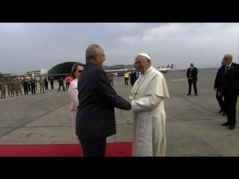 El papa Francisco llega a Lima tras visitar Chile