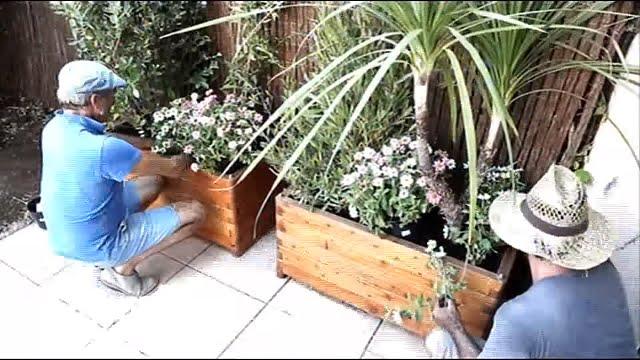 pas de panique une nouvelle dynamique pour votre petit jardin silence a pousse youtube. Black Bedroom Furniture Sets. Home Design Ideas