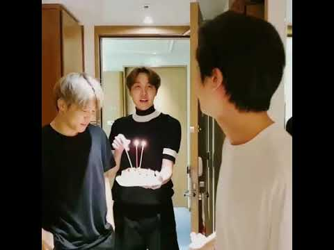 Bts Surprise Vlive For Jin S Birthday L Happy Birthday Jin L Bts 2019 Jinbirhday Youtube