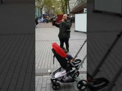 Gypsy Evangelist sharing at Birmingham city centre