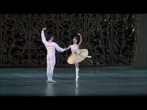 ROBERTO BOLLE and Maria Eichwald - Lo Schiaccianoci