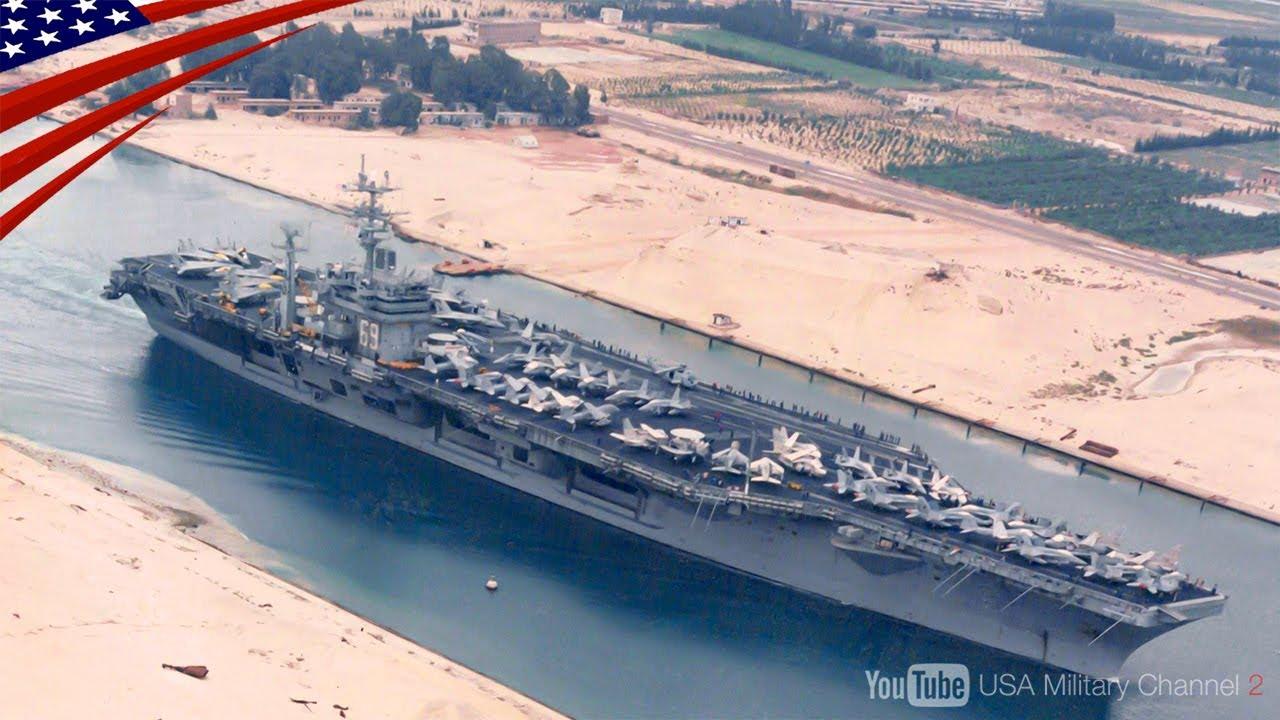 【超大型空母がスエズ運河を通過!】世界一交通量の多い重要水路を航行する圧巻映像!