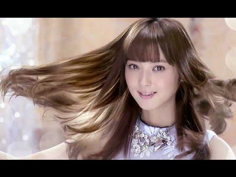 キラキラ綺麗な髪の毛が自慢の佐々木希