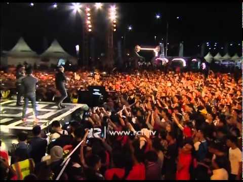 """Ungu """"Pogo Pogo"""" - Konser Kota Terang Philips LED Makasar"""