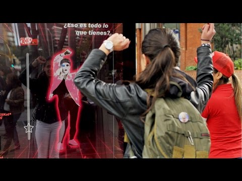 KitKat dance challenge rewards commuters with a chocolate bar! | JCDecaux Colombia
