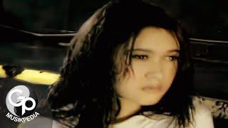 Download Nafa Urbach - Hati Yang Rindu (Official Music Video)