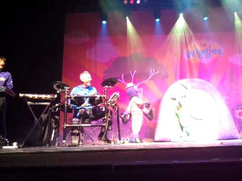 The Wiggles live in Singapore (26 May 2012)