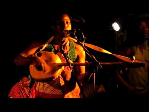 King Ayisoba & Band - Bayeti Boi live in 1000fryd, Aalborg
