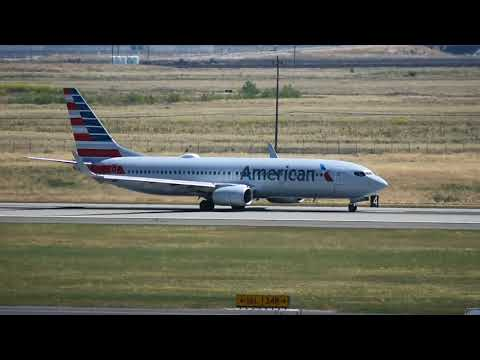 American Airlines Takes Off At Sacramento Int'l Airport (SMF)