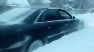 Ауди а8 в снежном плену