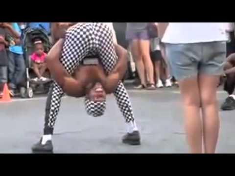 Клип негр в стрингах танцует фото 190-566