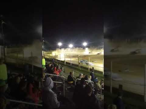 It was a nice 🌙 for racing@ old bradford Speedway