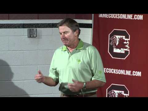 Spurrier calls out columnist at press conference