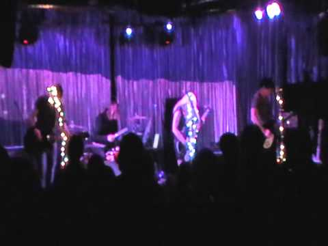 United Ghosts - Holes Into The Night live @ The Satellite  