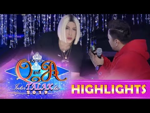 It's Showtime Miss Q & A: Vice Ganda and Jhong get caught having a pictorial