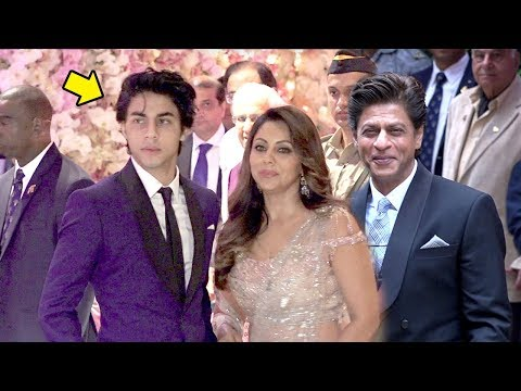 Shahrukh Khan's Son Aryan Looks Exactly Like Him