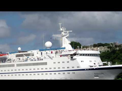 Crucero MS Berlin entrando a La Habana