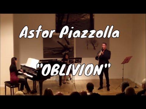 "A. Piazzolla ""Oblivion"" Sabato Morretta Clarinet - Antonella De Vinco Piano"