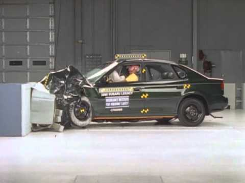 2000 Subaru Legacy moderate overlap IIHS crash test